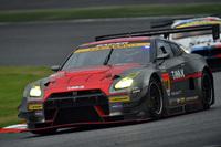 2位をわずか1秒差で抑え、GT300クラスを制した、No.10 GAINER TANAX GT-R(アンドレ・クート/千代勝正/富田竜一郎組)。