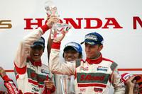 最終戦はGT-Rワンツー MOLA初タイトル獲得【SUPER GT 2011】