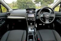 運転席まわりの様子。インテリアデザインは、ベースとなる「インプレッサスポーツ」のものが踏襲される。