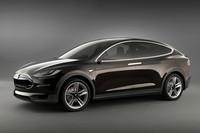 SUVの電気自動車「テスラ・モデルX」登場