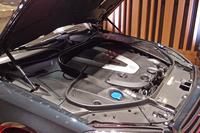「メルセデス・マイバッハS600」の6リッターV12ツインターボエンジン。