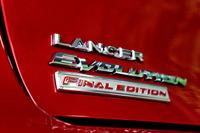 「ファイナルエディション」は初代「ランエボ」(1992年10月登場)から約23年間にわたる歴史の最後を飾る特別仕様車。ベースは「ランエボX GSR」の5MT車。1000台限定。予約受付はすでに4月10日に始まっている。