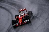 予選でのフェラーリはライバルのレッドブルと拮抗(きっこう)した戦いを繰り広げ、GP出走250回目のキミ・ライコネンがメルセデス勢に次ぐ3番グリッド、セバスチャン・ベッテル(写真)は5番グリッドを獲得。レースでは雨に翻弄(ほんろう)され、ライコネンはメインストレートでクラッシュ、リタイア。ベッテルはハーフスピンやフェルスタッペンに抜かれるなどしながらも5位完走。コンストラクターズランキングでフェラーリはレッドブルに次ぐ3位の座が確定した。(Photo=Ferrari)