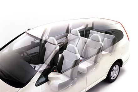 ホンダ・ストリームiS(5AT)vs三菱ディオンVIE-X(4AT)/オペル・ザフィーラCDX(4AT)【ライバル車はコレ】