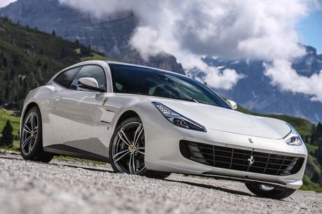 車名も新たに、大幅に進化したフェラーリのフル4シーター4WDクーペ「GTC4ルッソ」に試乗。6.3リッターV12自...