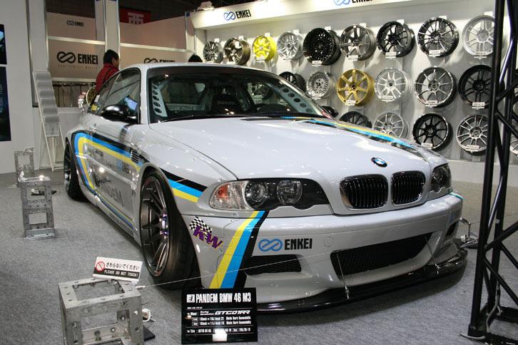 ENKEIのレーシングレボリューションコンセプトホイール「GTC01RR」を装着した「PANDEM BMW 46 M3」。