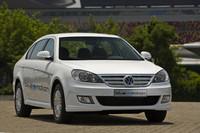中国の中産階級向け低価格路線の乗用車「フォルクスワーゲン ラヴィーダ」のEV仕様。