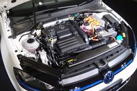 1.4リッターTSIエンジンと電気モーターを組み合わせたドライブユニットを搭載する。