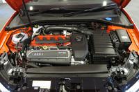 367psを発生する2.5リッター直5TFSIエンジン。