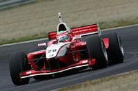 予選はふるわず、6番手からスタートした松田次生。果敢に追い上げ、2位でレースを終えた。