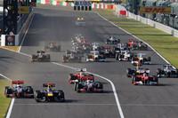 スタートで出だしが鈍かったポールシッターのベッテル(先頭)に、2番グリッドのバトン(向かって左)が接近。ベッテルはバトンに幅寄せするようなラインを取り、バトンはダートに車輪を落とし接触を回避。表彰式前、この出来事について2人のドライバーが意見交換するシーンが国際映像に流れた。(Photo=Red Bull Racing)