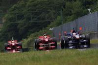 IMPUL2台を従えて、勝利に向かって走るロニー・クインタレッリ(INGING)。