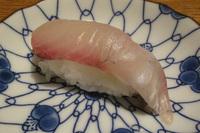 こちらホンモノの白身魚。