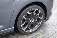 テスト車「DS3 スポーツシック」は、ターボエンジンを搭載する「DS」ラインのスポーティグレード。ホイールはノーマルよりひとまわり大きな17インチを履く。