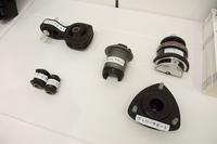 クルマにもタイヤ以外のゴム製品が数多く使用されている。