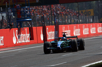 下位グループで苦しむホンダにとって、ジェンソン・バトンの8位入賞は上出来な結果。ニコ・ロズベルグとの接戦などを披露し、フランスGP以来のポイントを手に入れた。(写真=Honda)