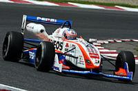 全日本F3選手権を闘うロニー・クインタレッリ。