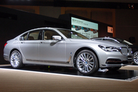 「BMW 740e iPerformance」
