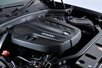 「xDrive20dブルーパフォーマンス」に搭載される2リッター直4ディーゼルターボエンジン。