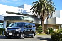 「トヨタ・エスクァイア」は、先行して発売された「ノア/ヴォクシー」をベースに開発された新型ミニバン。2014年10月末に発売された。